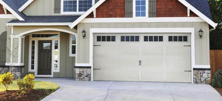 Doorlink 440/441 Grooved Ranch Panel Garage Door - Open Up Garage ...